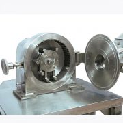 powder grinding machine with water cooling and dust collecting system (4)